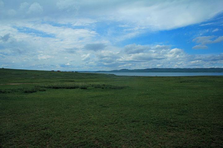 ウギー湖.jpg