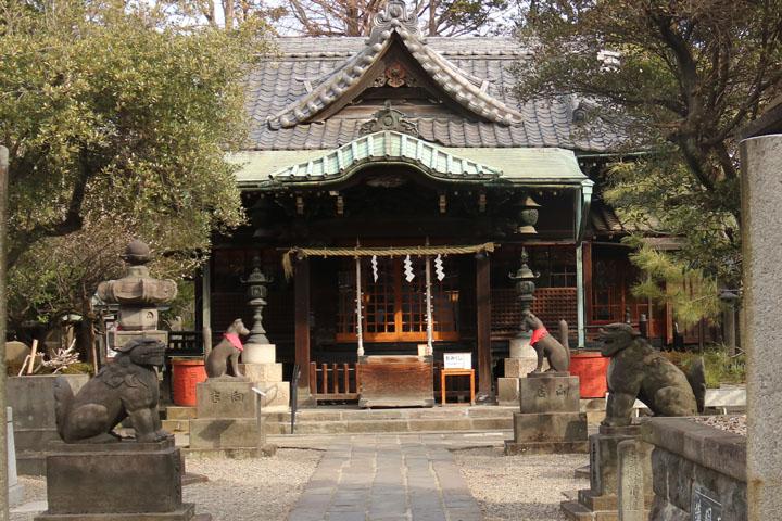 三囲神社本殿.jpg
