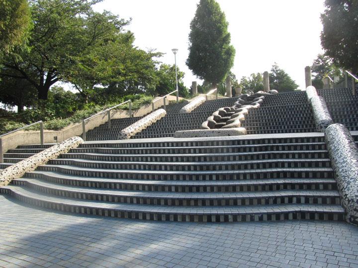 山下公園水の階段.jpg