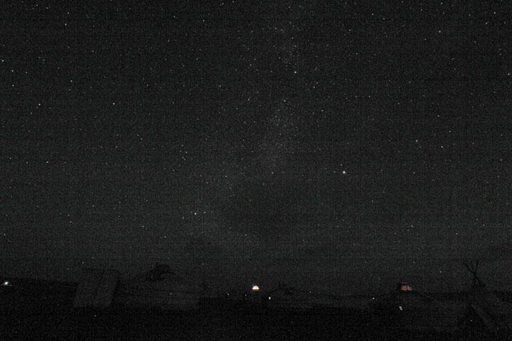 明け方の星空.jpg