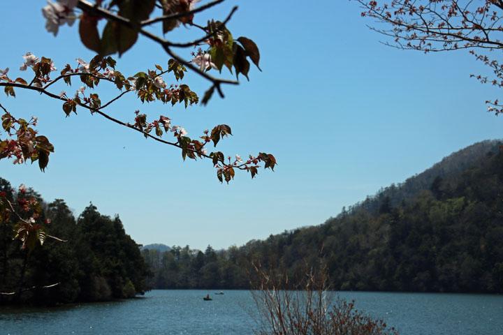 湯ノ湖.jpg