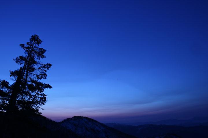 夜明け近くの空.jpg