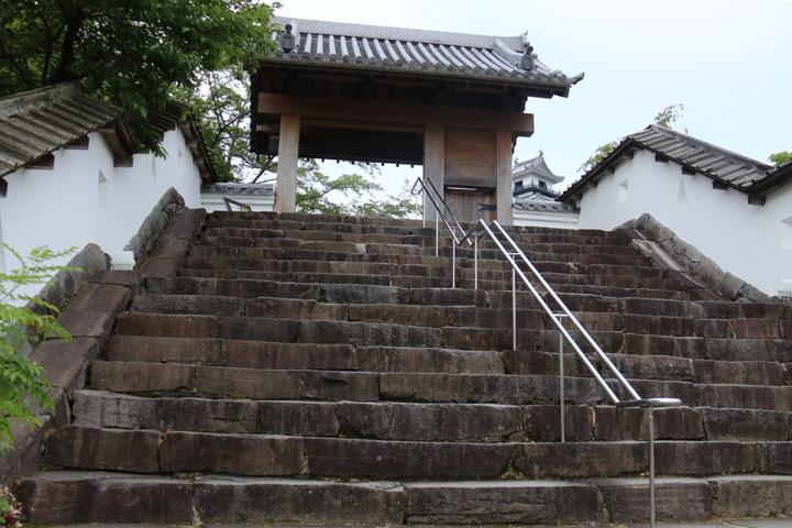 掛川城入り口.jpg